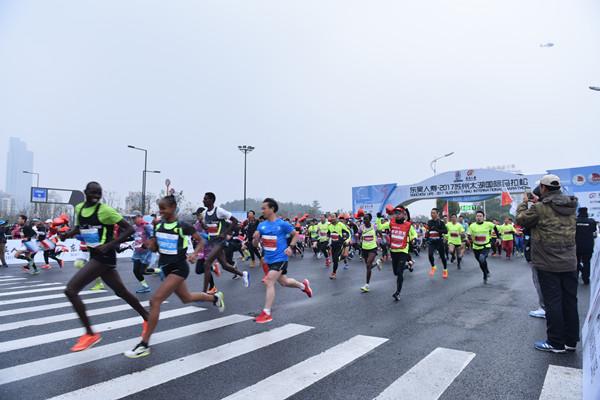 2017苏州太湖国际马拉松圆满收官